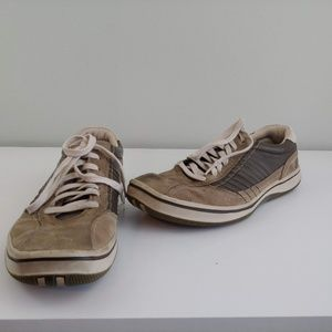 Mens 11 Skechers casual shoes tan leather suede